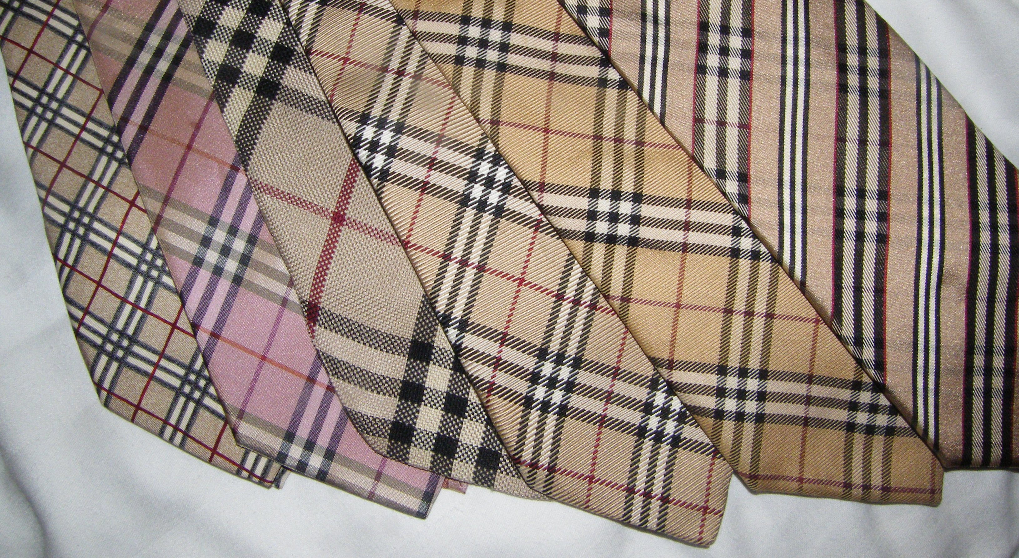 6d033ad8e59c Contrefaçons Burberry at clothes company